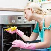 Помыть духовку внутри
